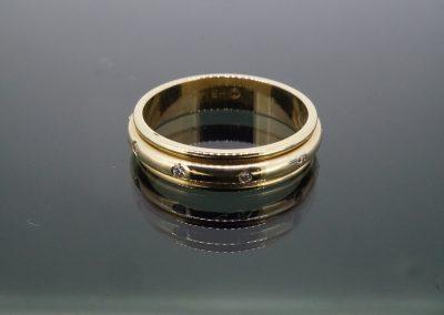Diamond ring 35